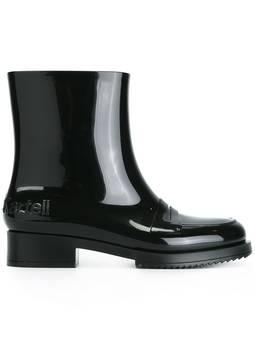 #21 black boots